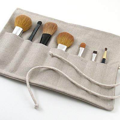 Make up brush roll